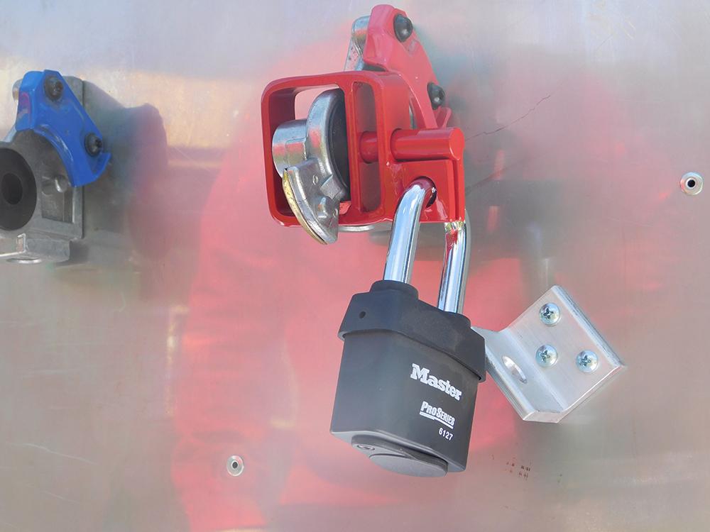 d lock original glad hand lock devere enterprises glad hand lock store. Black Bedroom Furniture Sets. Home Design Ideas